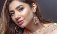 Mahira Khan has a reminder for anyone suffering from depression