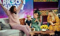Jason Momoa reveals his bathroom schedule as Aquaman to Kelly Clarkson's kids and it's hilarious