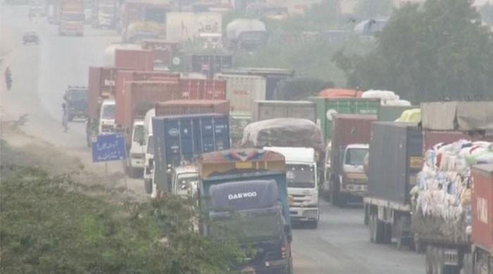 Azadi March 'Plan B': Road blockades continue on third consecutive day