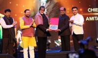 Rajnikanth hailed by Bollywood legend Amitabh Bachchan as an 'incredible source of inspiration'
