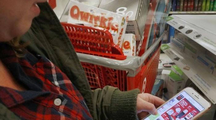 US online Black Friday sales hit record $7.4 bn