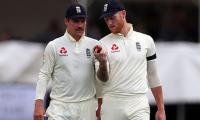 Stokes sees big future for England ´gem´ Burns