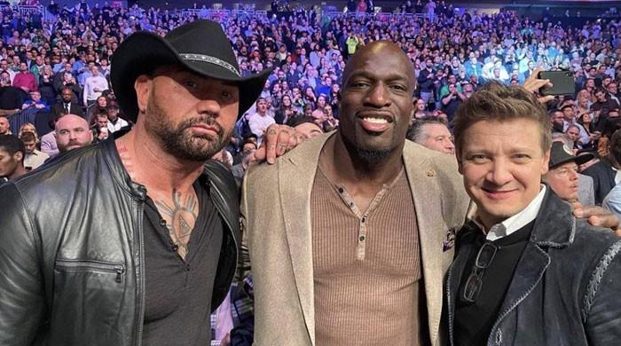 Marvels Jeremy Renner, Bautista, Matthew McConaughey papped at UFC 246 - The News International