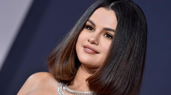 Selena Gomez overwhelmed with emotions after 'Rare becomes no1 album on Billboard - The News International