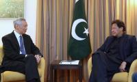 PM Imran discusses Pak-Singapore economic ties with PM Lee