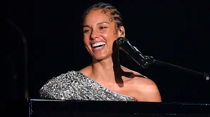 Alicia Keys shares a heartfelt plea with a cover of Someone You Loved at Grammys 2020 - The News International