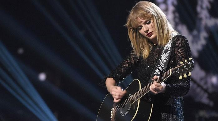 Taylor Swifts live show in Paris enthralls audience: Watch music video of her latest The Man - The News International