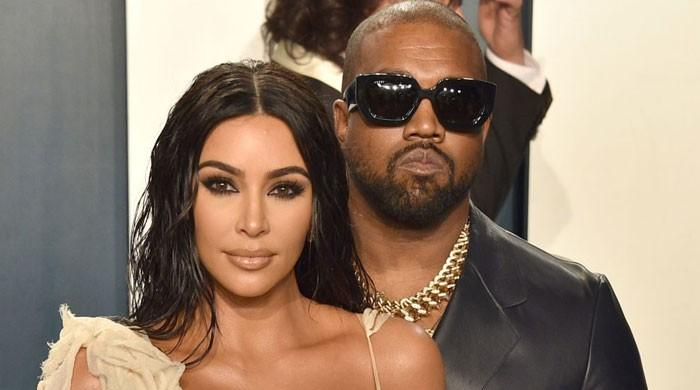 Kanye West irks fans with his ungentlemanlike behaviour towards Kim Kardashian - The News International
