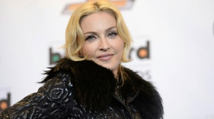 Madonna leaves fans fuming after arriving to Paris concert 3.5 hours late - The News International