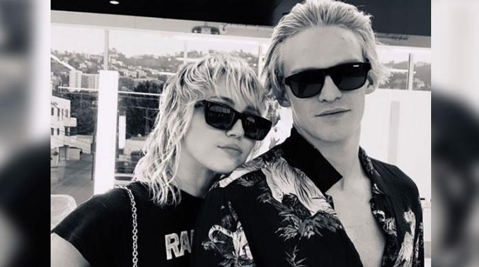 Miley Cyrus, Cody Simpson take relationship to the next level with matching hairstyles - The News International