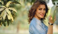 Mehwish Hayat dazzles in fresh-faced look: See Pics