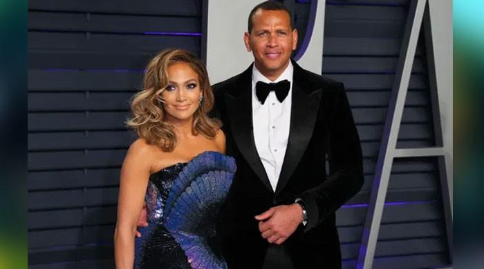 Jennifer Lopez ready to plan wedding with her fiance Alex Rodriguez - The News International