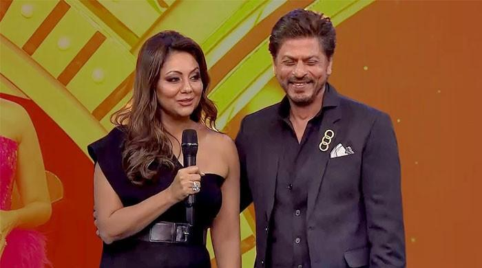 Shah Rukh Khans wife Gauri suggests a career shift for her husband - The News International