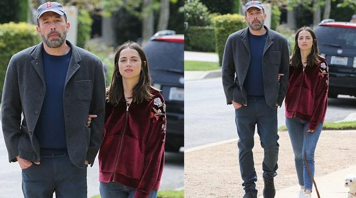 Ben Affleck, girlfriend Ana de Armas look gorgeous during a romantic stroll
