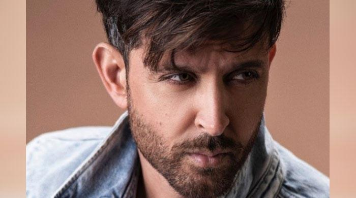 Hrithik Roshan makes whopping donation to provide 1.2 lakh meals to communal workers
