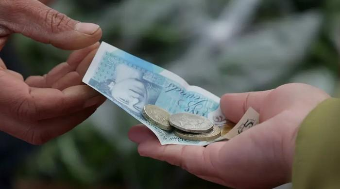 Coronavirus: UK inflation dives on oil-price crash
