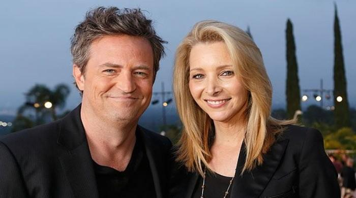 Lisa Kudrow reveals Matthew Perry gifted her an iconic prop of the Friends set - The News International