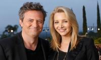 Lisa Kudrow reveals Matthew Perry gifted her an iconic prop of the 'Friends' set