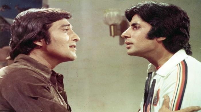 When Amitabh Bachchan left Vinod Khanna injured on the sets of Muqaddar Ka Sikandar - The News International
