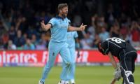 England pacer Plunkett to consider playing for United States