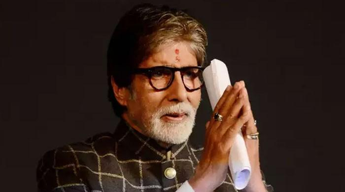 Amitabh Bachchan heaps praises on healthcare workers amidst coronavirus recovery