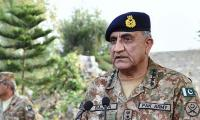Army chief pays visit to LoC on Eid ul Adha, praises troops' morale