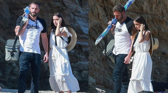 Ben Affleck and Ana de Armas enjoy romantic beach outing in Malibu - The News International