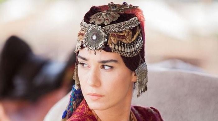 'Ertugrul' star Burcu Kıratlı looks stunning in latest photos