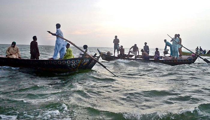Boat capsizes in Thatta's Keenjhar Lake leaving several dead