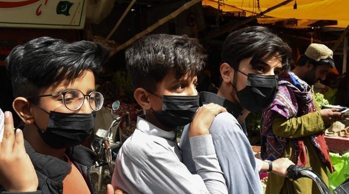 COVID-19: WHO advises masks for children over 12