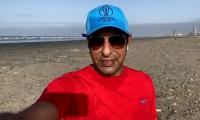 Wasim Akram rues over littered state of Clifton beach