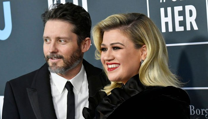 Kelly Clarkson believes divorce helped inspire her 'very therapeutic album