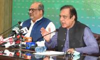 Faraz casts aspersions on Nawaz's health after news of live address