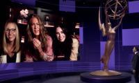 Jennifer Aniston, Lisa Kudrow, Courteney Cox stage 'Friends' reunion during Emmys
