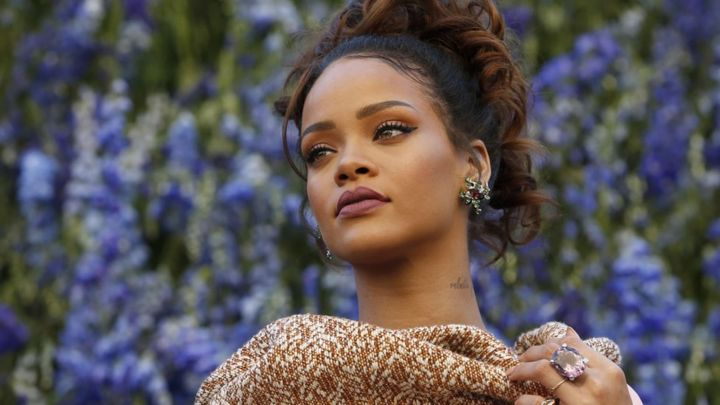 Rihanna apologizes for using Islamic texts during lingerie show