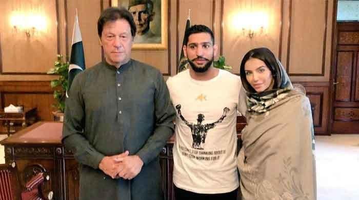 Boxer Amir Khan now says he won't take part in Pakistani politics
