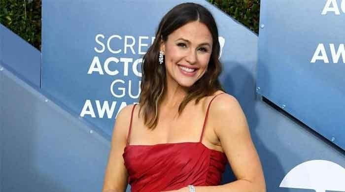 Jennifer Garner Counters Pregnancy Speculation Sparked by Jack-O'-Lantern Post