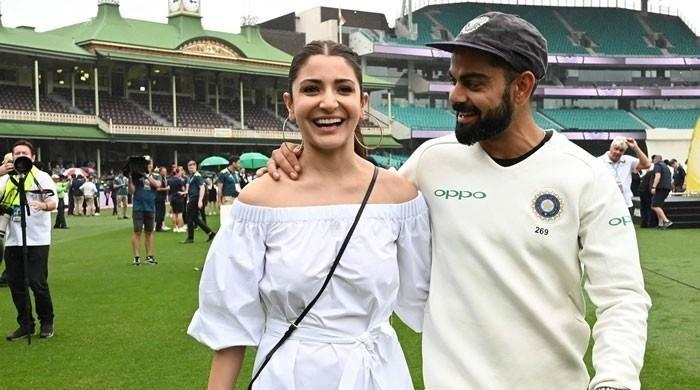 Virat Kohli and Anushka Sharma's endearing exchange from the field is melting hearts