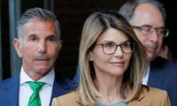 Lori Loughlin begins 2-month jail sentence in college admissions scam