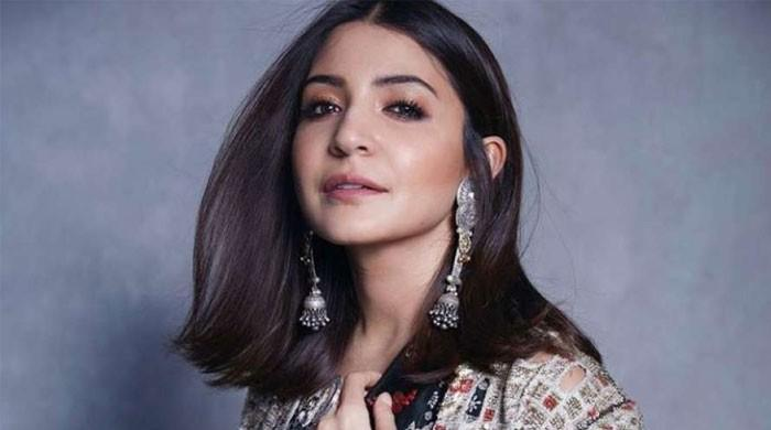 Expecting mother Anushka Sharma stuns in most recent snap