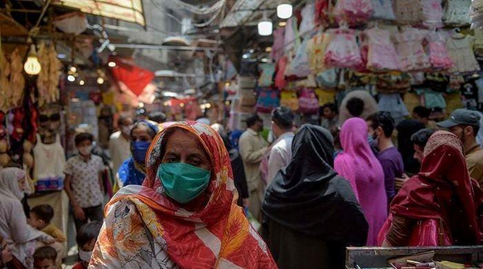 Markets and shops in Lahore may be closed till 6 pm as the incidence of corona virus continues to rise