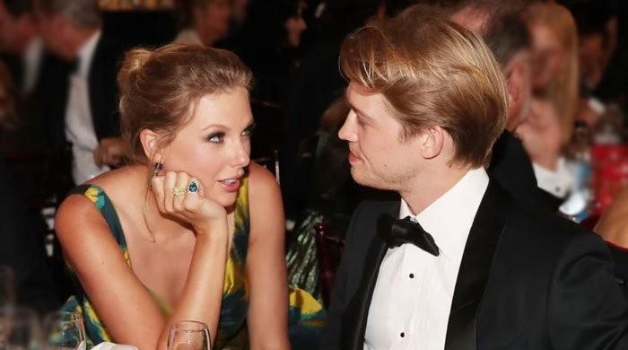Taylor Swift reveals boyfriend Joe Alwyn secretly co-wrote two hits on her album - The News International