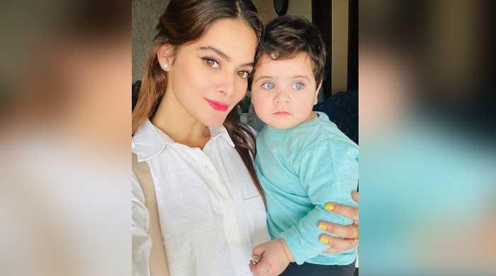 Aunt vs Amal: Minal Khan shares pic with niece, asks fans who is cuter