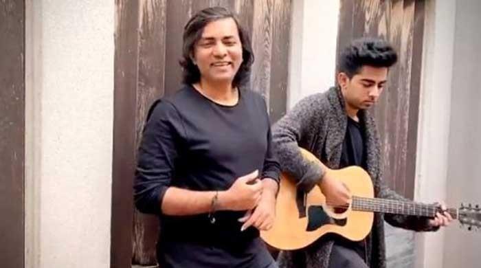 Sajjad Ali treats fans by singing 'Maula', thanks for 'incredible' response