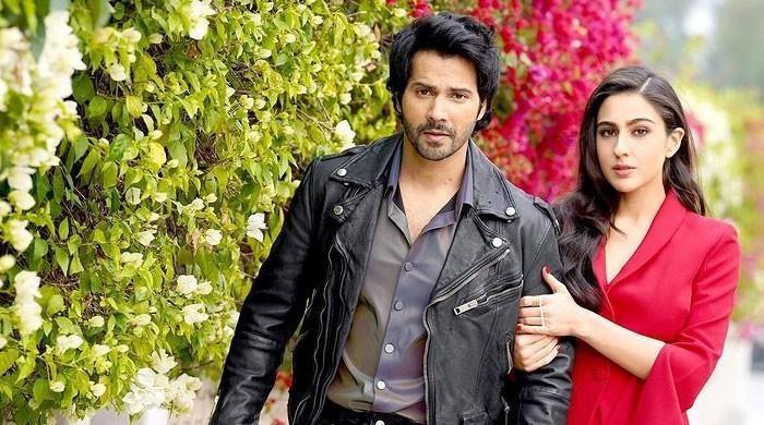 Varun Dhawan remembers the first time he met 'little girl' Sara Ali Khan