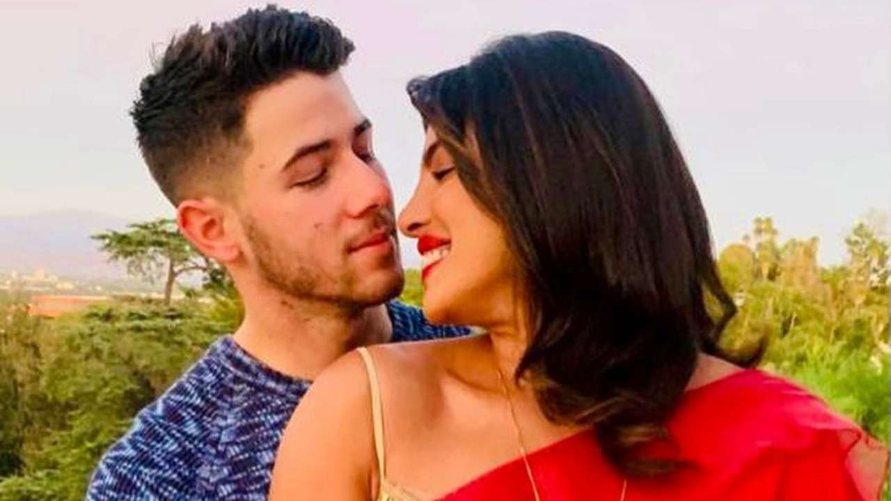 Priyanka Chopra enjoys a day out with hubby Nick Jonas
