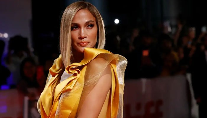 Jennifer Lopez, more stars perform for 'New Year's Rockin' Eve'
