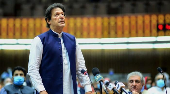 PM Imran Khan congratulates exporters for 'record exports' in Dec 2020