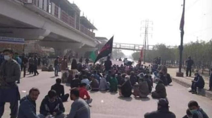 Five motorcycles set on fire like passengers, protesters clash at Hazara protest site