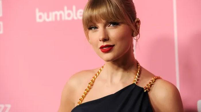 Taylor Swift makes it to top-selling album of the year for fifth time